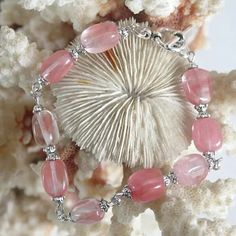 Claudine création bijoux fantaisie - Un grand marché Tourmaline Rose, Tassel Necklace, Beaded Bracelets, Creations, Boutique, Jewelry, Roses, Fashion, Make Earrings