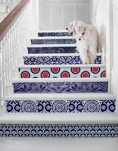 Gebruik behang op het aanzicht van je trap