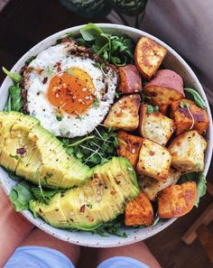 Greens, Sweet Potato, and Fried Egg Bowl recipe by Dani Dura.-Greens, Sweet Potato, and Fried Egg Bowl recipe by Dani Duran Clean Eating Snacks, Healthy Snacks, Healthy Eating, Eating Raw, Healthy Dishes, Healthy Organic Recipes, Tasty Healthy Meals, Healthy Drinks, Healthy Recipes For One
