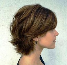 Beauty Short Haircut For Thick Hair For Wavy, Curly And Straight Hair - If you're gifted with thick hair by nature, you're the lucky one from so many women around the world. You've never had problem to deal with hair limp or lack of hairstyles. Be clean and tidy, thick ... ... http://creativewedding.co/short-haircut-for-thick-hair-for-wavy-curly-and-straight-hair/ - BYSFS