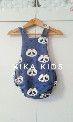 8e0ba7c51d6 bebé vero · Ranita pandas indios en fondo azul. Hecho a mano en España. Moda  para los