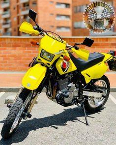 Dr 650  #moto #motorcycle #motorbike #yamaha #bike #dr650 #pilotosquilla #kawasaki #biker #instamoto #bikelife #motogp #suzuki #bmw #ducati #rider #travel #ride #motos #madrid #photography #motorcycles #colombia #picoftheday #photooftheday #motor #bikersofinstagram #instagood #chicabiker #ktm Ducati, Yamaha, Dr 650, Bike Life, Motogp, Motorbikes, Madrid, Biker, Motorcycles