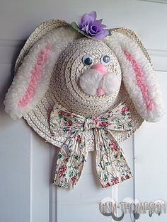 This straw hat bunny would be cute to make to put on an elderly persons door in a nursing home. Hat Crafts, Bunny Crafts, Easter Crafts, Easter Decor, Easter Centerpiece, Easter Table, Easter Gift, Easter Ideas, Easter Eggs