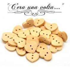 Bottoni in legno a forma di cuore http://www.merceriaceraunavolta.it/24-creative-crafs#/