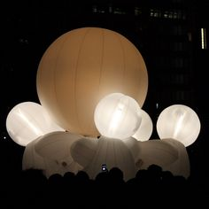 This year's Roppongi Art Night -- an annual all-night outdoor art festival featuring installations and performances at various locations in Tokyo's Roppongi district.  Compagnie des Quidams performs Rêve d'Herbert
