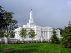 Click to enlarge this image of the Detroit Michigan Mormon Temple