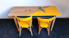 Véritale bureau d'écolier double années 50 et son duo de chaises estampiller…