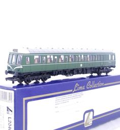 LIMA L204630 - BR GREEN WHISKERS LIVERY CLASS 121  BUBBLE CAR   RAIL BUS W 55025