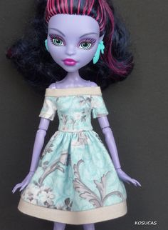 *Dress for Monster High doll. Oh my gosh I love it.