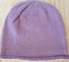 The yarn is a blend of wool and acrylic. A soft and warm hat in a beautiful color perfect for everyone and everything. Winter Is Coming, My Ebay, Mittens, Hand Knitting, Wool Blend, Knitted Hats, Accessories, Beautiful, Color