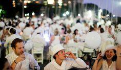 Dinner en Blanc: all white pop-up picnic in battery park NYC (Aug, 2011)