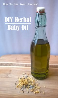 Natural skin care pregnancy Ditch the toxic store-bought stuff! This DIY herbal baby oil is infused with skin nourishing oils like lavender and calendula to help keep babys skin soft and kissable. Organic Baby, Organic Skin Care, Natural Skin Care, Natural Health, Herbal Remedies, Natural Remedies, Baby Skin Care, Baby Care, Homemade Beauty Products