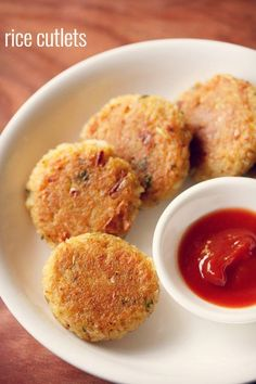 rice cutlet recipe with step by step photos. crisp and delicious rice cutlets for the monsoons. rice cutlet recipe is very easy to prepare.
