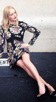 Who made  Kate Bosworth's floral long sleeve dress and black pumps?