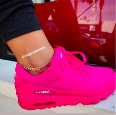 Anklet with meaning Sneakers Fashion, Fashion Shoes, Shoes Sneakers, Men's Shoes, Cute Sneakers For Women, Fly Shoes, Running Shoes, Nike Shoes Air Force, Aesthetic Shoes