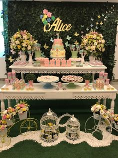 Birthday dinner decorations decor baby shower 37 ideas for 2019 Butterfly Birthday Party, 1st Birthday Party For Girls, Butterfly Baby Shower, Fairy Birthday Party, Garden Birthday, Princess Birthday, Baby Birthday, Birthday Party Decorations, Baby Shower Decorations