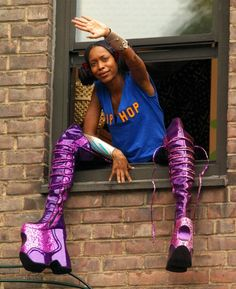 I don't know what the hell Erykah Badu is doing here, but DAMN I love those boots!