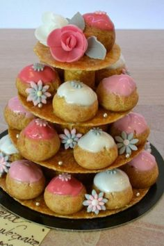 Discover recipes, home ideas, style inspiration and other ideas to try. Macaron Bleu, Croquembouche, Choux Pastry, Cake & Co, 3d Cakes, Cake Decorating Techniques, Banana Split, Desert Recipes, Cakes And More