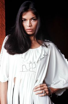 Bianca Jagger, on top of being a fashion icon in the and is also a muse today. Bianca is famous for having been Mick Jagger's . Bianca Jagger, Mick Jagger, 70s Fashion, Vintage Fashion, Fashion Styles, Fashion Bags, Divas, Moves Like Jagger, Glamour