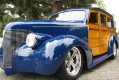 1939 Chevy Woody Wagon. I want it.