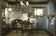 vintage yankee: The Holiday's English Cottage