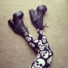 Pastel Goth Skull Leggings with platform shoes - http://ninjacosmico.com/12-ways-rock-pastel-goth-leggings/