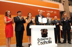 Firma Rubén Moreira decreto que crea la Ley de Acceso a la Información Pública
