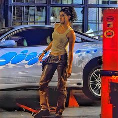 Fast and the furious style inspo Michelle Rodriguez, Letty Fast And Furious, The Furious, Vin Diesel, Dom And Letty, Bad Girl Aesthetic, Dwayne Johnson, 2000s Fashion, Look Cool