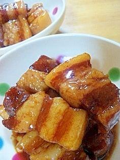 楽天が運営する楽天レシピ。ユーザーさんが投稿した「炊飯器で作る★トロトロの豚の角煮」のレシピページです。炊飯器から豚の角煮が出てきて主人も子供もビックリしてました。一口食べて美味しさにもビックリしてくれました。。豚の角煮。豚バラ肉,ねぎ(青い部分),しょうが(スライス),●水,●醤油,●みりん,●砂糖,●和風だし,●しょうが(スライス)