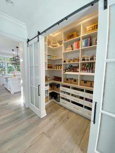 Kitchen Pantry Design, Kitchen Shelves, Kitchen Storage, Kitchen Ideas, Drawer Storage, Pantry Storage, Kitchen Decor, Pantry Organization, Organized Pantry