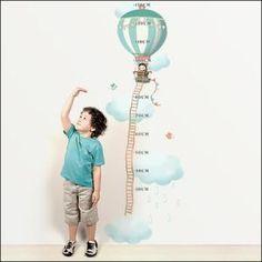 Stickers Toise jolie montgolfière - garçon