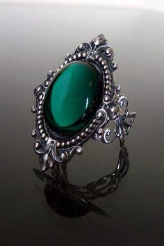 Sinistra Emerald Green Gothic Ring by Dark Elegance Designs