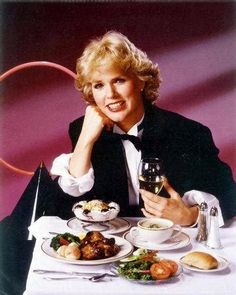 Sharon Gless Television Photo - 20 x 25 cm Tyne Daly, Cagney And Lacey, Sharon Gless, Disneyland, Burgers, Netflix, Posters, Glass, Actresses