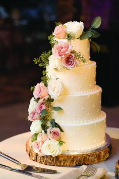 2 Tier Wedding Cakes, Pretty Wedding Cakes, Floral Wedding Cakes, Amazing Wedding Cakes, Wedding Cake Rustic, Elegant Wedding Cakes, Wedding Cakes With Flowers, Wedding Cake Designs, Vintage Wedding Cakes
