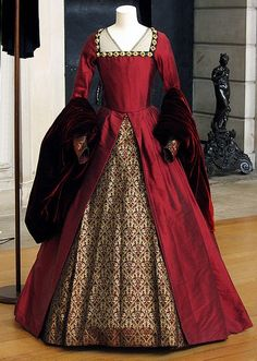 Worn by Natalie Portman (as Anne Boleyn) in The Other Boleyn Girl.