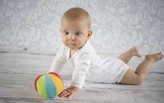 Estimulación temprana para bebés de 3 a 6 meses Actividades propuestas: 1-Mueve lentamente delante de la cara de tu bebé objetos y juguetes vistosos para...