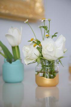 Baby Food Jar Vases - flower arrangement idea