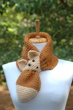 Knit Fox Scarf, Keyhole Scarf, Stay Put - Diy Crafts Knitting For Kids, Loom Knitting, Free Knitting, Knitting Projects, Baby Knitting, Crochet Projects, Knitting Patterns, Crochet Patterns, Knitting Ideas