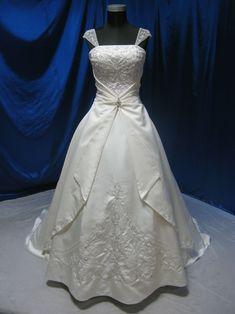 Fairy Tale Wedding Dress by WeddingDressFantasy on Etsy, $529.00  <~ Had to repin! I'm pretty sure Cinderella wore this dress! So pretty  :-)