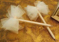 チュール一枚あるだけで、使い道はさまざま♡ふわふわチュールで作りたいウェディング小物8選♡