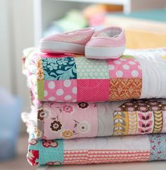 A fab blog. Tons of gorgeous quilts