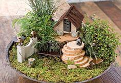 Lindo jardim encantado com casinha