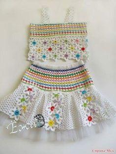 Crochet Dress For Little Girls On The Su - Diy Crafts - maallure Crochet Dress Girl, Crochet Baby Dress Pattern, Baby Dress Patterns, Baby Girl Crochet, Easy Crochet Patterns, Crochet Designs, Crochet Clothes, Knit Crochet, Crochet Toddler