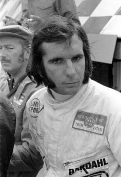 Emerson Fittipaldi : 1972 Formula One World Champion Team : John Player Team Lotus, in the background The Great Anthony Colin Bruce Chapman (A. Sports Car Racing, F1 Racing, Race Cars, Sport F1, Motor Sport, Emo, New Lotus, Mario Andretti, Racing Events