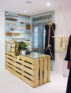 Design store ideas – Atypical and hybrid, concept stores have conquered all of Paris with ultra-sharp selections. From the referent boutique located in the Haut . Clothing Store Interior, Clothing Store Displays, Clothing Store Design, Boutique Interior Design, Boutique Decor, Boutique Stores, Restore Store, Backyard Kitchen, Retail Store Design