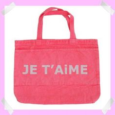 Show your little girl that Valentine's Day is special. She'll fill this tote bag with books, dolls or her other Valentine's Day presents!