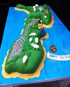 New Zealand cake Paul Cakes, Bon Voyage Cake, Farewell Cake, Kiwi Cake, Sheep Cake, New Zealand Food, Travel Cake, Bird Cakes, Angel Cake