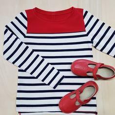 toujours plus de rayures! - Made in England - patronn mariniere enfant - skiftee Tops, Women, Fashion, Stripes, Boss, Children, Bebe, Moda, Fashion Styles
