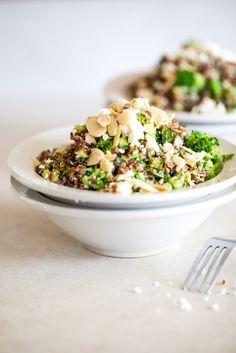 Libańska sałatka z quinoa i brokułów