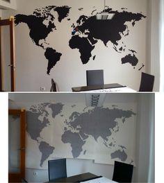 Vinilo del mapa mundi de 3.20 m x 1.7 m.  Manera fácil y actual de decorar una habitación. Vinyl of the world map of 3.20 m x 1.7 m. Easy and current way of decorating a room